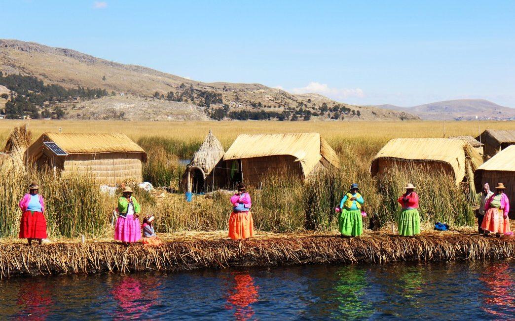 Les habitants de l'ile d'Uros