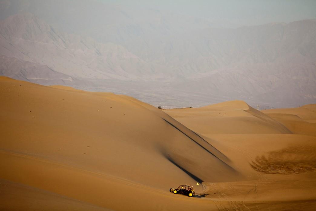 Tubulares y Sanboard en el desierto de Ica - Huacachina
